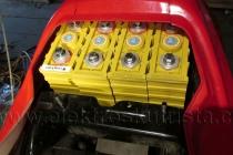 Elektroskútr IO1500GT -  nové akumulátory,horní sada za sedačkou.