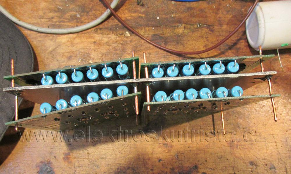 Elektroskútr - Cell Balancing Module (3.60V- 1.7A) - výroba dvou modulů po 8 kusech