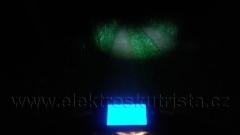 Hodně fotograficky zkreslující ukázka svícení přední ledkou 12W v elektroskútru.