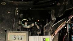 Měnič 48/12 V - umístění pod podlahou elektroskútru.