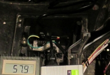 Měnič 48/12 V v elektroskútru.