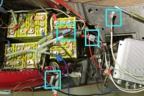 Univerzální záměnné konektory obou řídících jednotek - Elektroskútr  IO1500GT