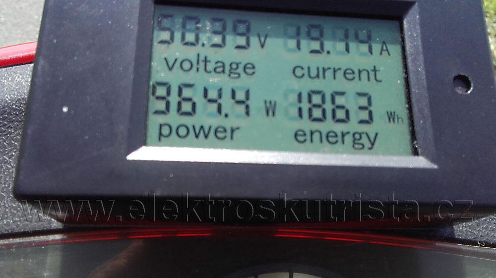 elektroskutr-70km-wattmetr-zatizeni-1kW